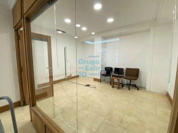 Foto 5 de Antiguo. Local de 51 m2 en planta baja y 57 m2 de sótano.