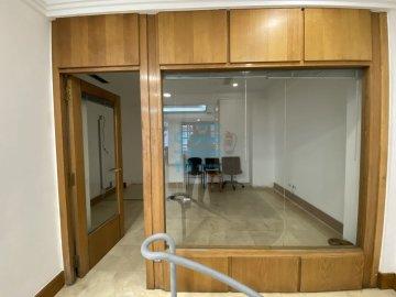 Foto 6 de Antiguo. Local de 51 m2 en planta baja y 57 m2 de sótano.