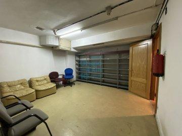 Foto 9 de Antiguo. Local de 51 m2 en planta baja y 57 m2 de sótano.