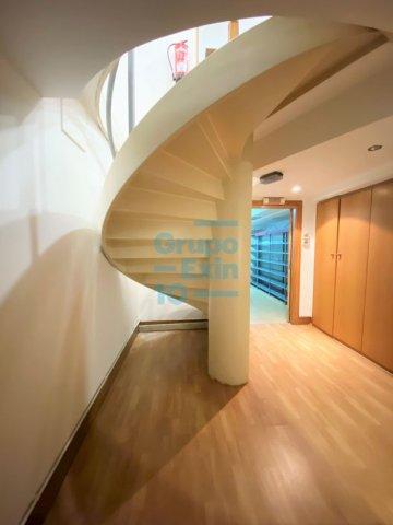 Foto 10 de Antiguo. Local de 51 m2 en planta baja y 57 m2 de sótano.