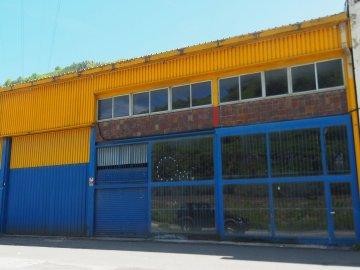 Foto 3 de Nave industrial con excelentes dimensiones y próximo a la carretera nacional en Anoeta, junto a Tolosa.