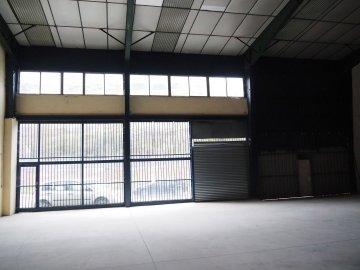 Foto 10 de Nave industrial con excelentes dimensiones y próximo a la carretera nacional en Anoeta, junto a Tolosa.