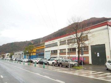 Foto 11 de Nave industrial con excelentes dimensiones y próximo a la carretera nacional en Anoeta, junto a Tolosa.