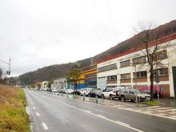 Foto 13 de Nave industrial con excelentes dimensiones y próximo a la carretera nacional en Anoeta, junto a Tolosa.