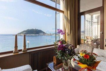 Foto 24 de Impresionante piso en Miraconcha con terraza y vistas directas sobre la bahía de San Sebastián.