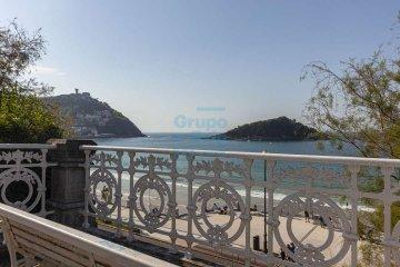 Foto 50 de Impresionante piso en Miraconcha con terraza y vistas directas sobre la bahía de San Sebastián.
