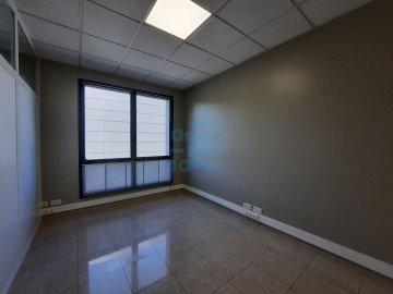 Foto 5 de Oficina en estado impecable en Edificio representativo en el Polígono de Oficinas de Igara en San Sebastián. Excelentes acabados.