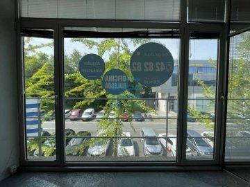 Foto 7 de Edificio Beiza, oficina haciendo esquina con 3 plazas de parking.