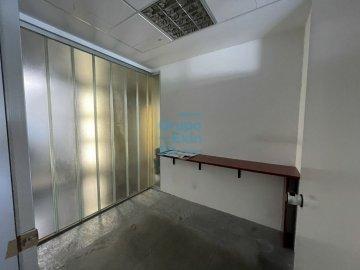 Foto 11 de Edificio Beiza, oficina haciendo esquina con 3 plazas de parking.