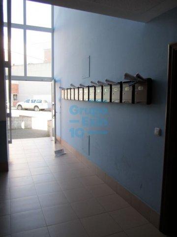 Foto 4 de POL 27. Oficina acondicionada.