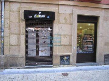Foto 2 de Calle Pescaderia junto Centro comercial Bretxa
