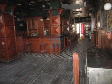 Foto 2 de Local - salida de humos. Ubicación perfecta para hostelería. Bar/Restaurante