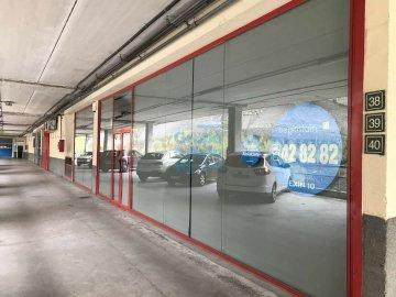 Foto 2 de Local de esquina en primera planta con escaparte de 737m². Acceso vehículos. Divisible