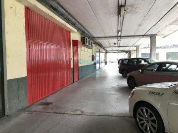 Foto 3 de Local de esquina en primera planta con escaparte de 737m². Acceso vehículos. Divisible
