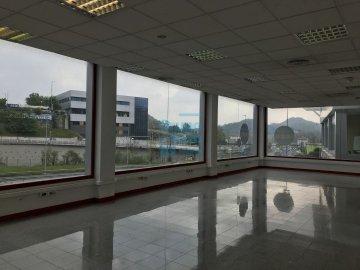 Foto 4 de Local de esquina en primera planta con escaparte de 737m². Acceso vehículos. Divisible