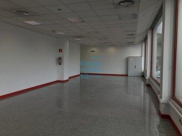 Foto 6 de Local de esquina en primera planta con escaparte de 737m². Acceso vehículos. Divisible