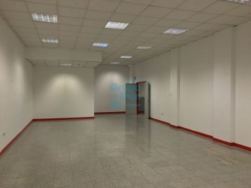 Foto 16 de Local de esquina en primera planta con escaparte de 737m². Acceso vehículos. Divisible
