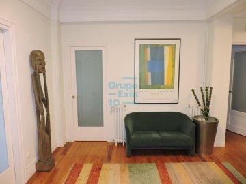 Foto 11 de Oficinas junto al río en edificio representativo.