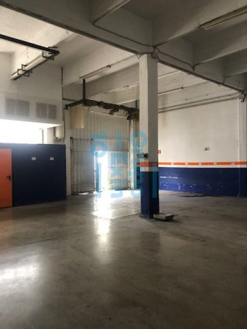 Foto 13 de Local en edificio industrial