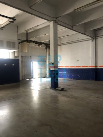 Foto 12 de Local en edificio industrial