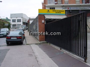 Foto 2 de San Sebastian, zona Herrera, local de 1452 m2 propio super, exposición etc...
