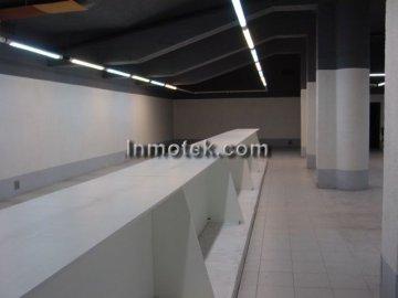 Foto 5 de San Sebastian, zona Herrera, local de 1452 m2 propio super, exposición etc...