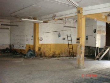 Foto 3 de Subida cuesta Aldakoenea, local -garaje-almacén, de 141 m2