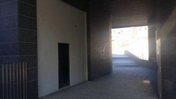 Foto 2 de calle lizarra, local/oficina con fachada a la calle lizarra y a la plaza interior