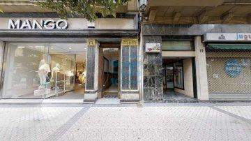 Foto 3 de En la calle Fuenterrabía, junto a Mango, próximo al centro comercial San Martin