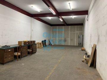 Foto 4 de Nave en sótano del antiguo edificio Bianchi, en c/ Oria, junto a Setalde y Eurolan (Rover)