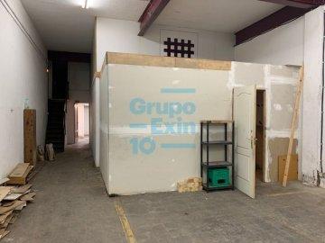 Foto 5 de Nave en sótano del antiguo edificio Bianchi, en c/ Oria, junto a Setalde y Eurolan (Rover)