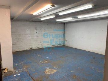 Foto 6 de Nave en sótano del antiguo edificio Bianchi, en c/ Oria, junto a Setalde y Eurolan (Rover)