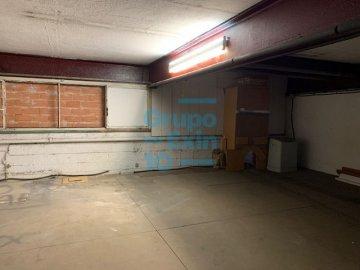 Foto 10 de Nave en sótano del antiguo edificio Bianchi, en c/ Oria, junto a Setalde y Eurolan (Rover)
