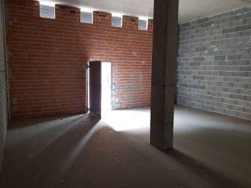 Foto 4 de Local de planta baja con salida de humos, Junto al Eroski y la plaza Easo.