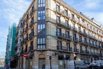 Foto 3 de Local de esquina con mucha visibilidad y amplios escaparates en el centro de la ciudad