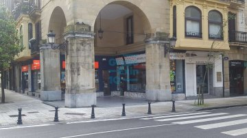 Foto 5 de Local de esquina junto a Plaza de Gipuzkoa