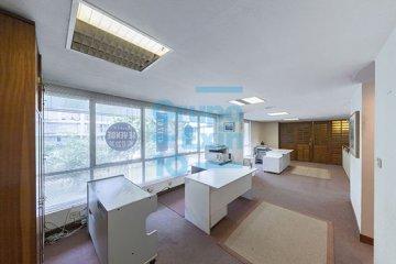 Foto 3 de Paseo los Olmos. Oficina acondicionada, exterior con amplios ventanales. Posibilidad de cambio de uso.