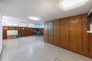 Foto 12 de Paseo los Olmos. Oficina acondicionada, exterior con amplios ventanales. Posibilidad de cambio de uso.