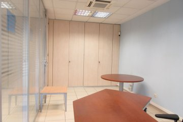 Foto 4 de Oficina en edificio representativo con garaje opcional en el mismo edificio.