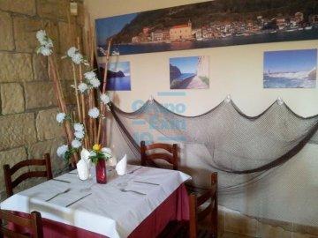 Foto 3 de En pleno casco histórico se vende bar restaurante próximo a embarcadero y plaza.