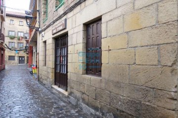 Foto 5 de En pleno casco histórico se vende bar restaurante próximo a embarcadero y plaza.