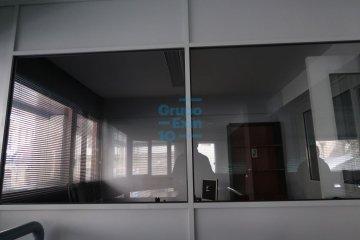 Foto 4 de Oficina en entreplanta esquina con aseo propio.