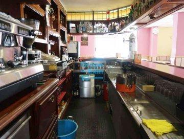 Foto 5 de Bar en funcionamiento totalmente instalado y equipado.