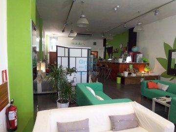 Foto 4 de Antiguo. Zona de Portuetxe, amplio local en funcionamiento. Se ofrece venta en rentabilidad.
