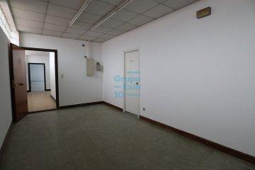 Foto 4 de Usurbil. Polígono Ugaldea. Oficina diáfana, de gran tamaño y muy luminosa.
