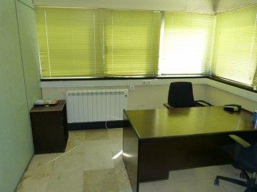 Foto 7 de Amplia oficina con amplios espacios y muchísima luz.