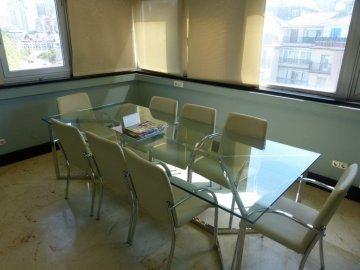 Foto 14 de Amplia oficina con amplios espacios y muchísima luz.