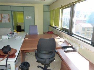 Foto 17 de Amplia oficina con amplios espacios y muchísima luz.