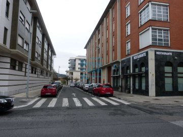 Foto 5 de Local comercial muy bien ubicado, entre Txara I y Sagastieder, junto bar Ilargi.