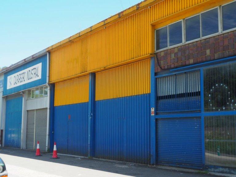 Nave industrial con excelentes dimensiones y próximo a la carretera nacional en Anoeta, junto a Tolosa.